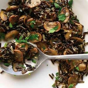Плов из дикого риса с грибами