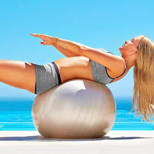 Упражнения с мячом для фитнеса