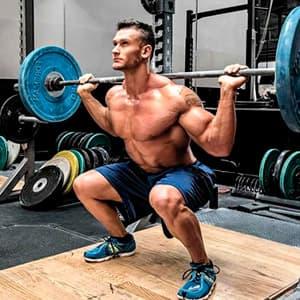 Тренировка ног в тренажерном зале