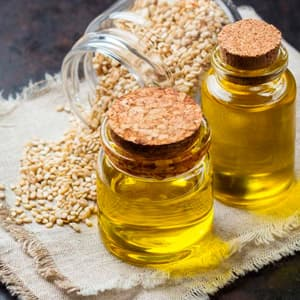 Кунжутное масло: полезные свойства и противопоказания