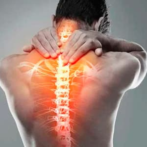 Почему появляются боли в позвоночнике