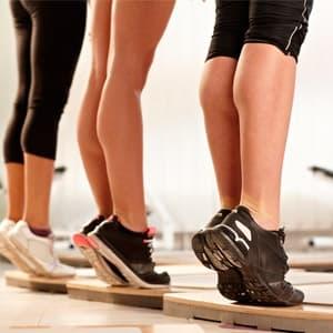 Как накачать икры ног: упражнения в домашних условиях и в тренажерном зале
