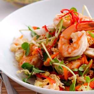 Тёплый салат с креветками