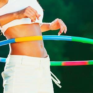 Упражнения с обручем: можно ли похудеть и сколько нужно крутить обруч